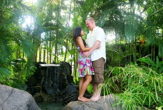 Couples Session at the Hale Koa and Waikiki Beach